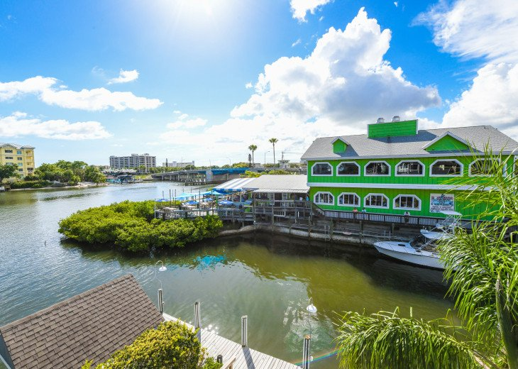 BEAUTIFUL WATERFRONT LUXURY Condo - Boat Dock - Walk to Siesta Key Beach!! #30