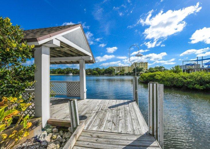 BEAUTIFUL WATERFRONT LUXURY Condo - Boat Dock - Walk to Siesta Key Beach!! #42