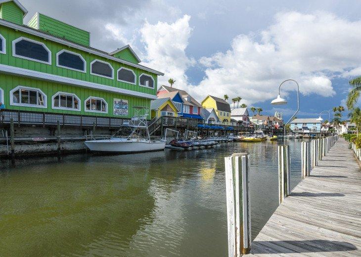 BEAUTIFUL WATERFRONT LUXURY Condo - Boat Dock - Walk to Siesta Key Beach!! #47