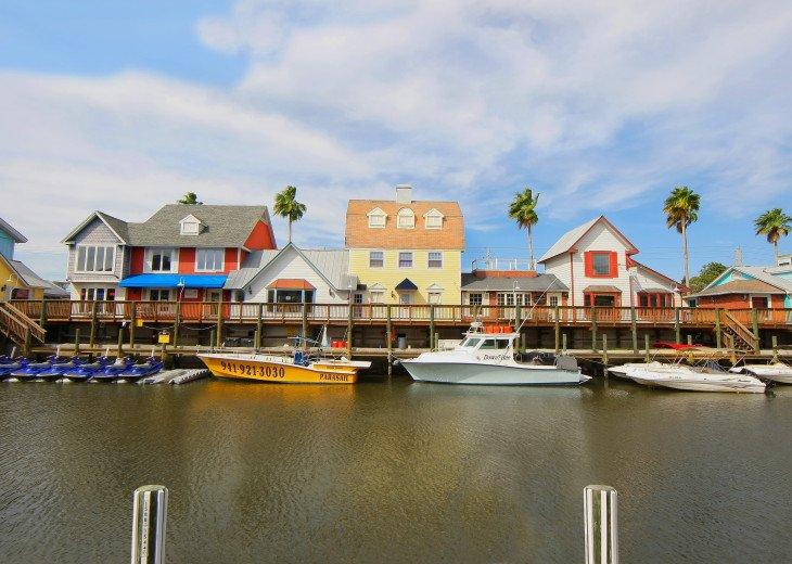 BEAUTIFUL WATERFRONT LUXURY Condo - Boat Dock - Walk to Siesta Key Beach!! #51