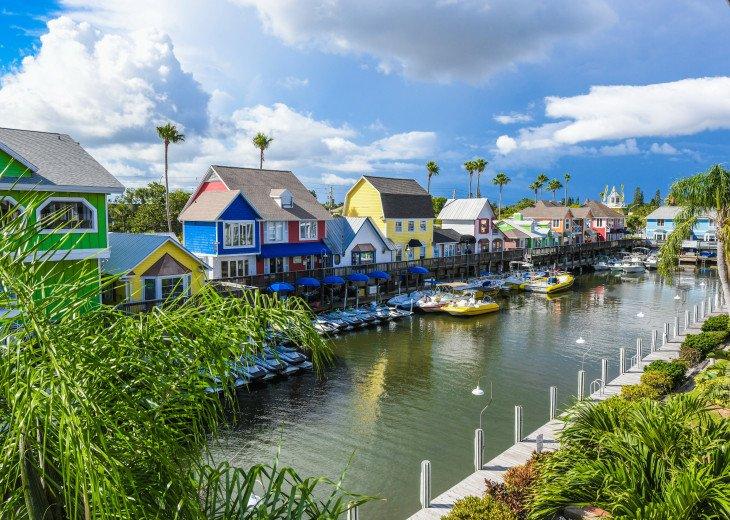 BEAUTIFUL WATERFRONT LUXURY Condo - Boat Dock - Walk to Siesta Key Beach!! #32