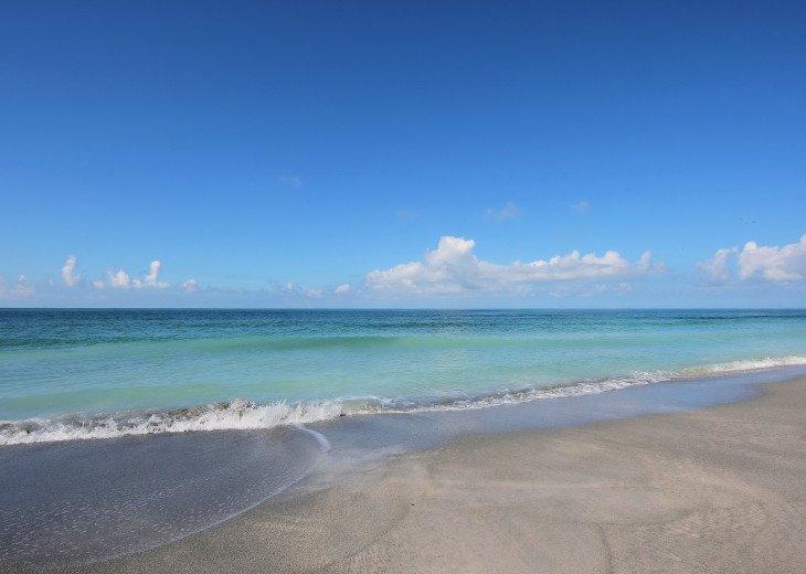BEAUTIFUL WATERFRONT LUXURY Condo - Boat Dock - Walk to Siesta Key Beach!! #60