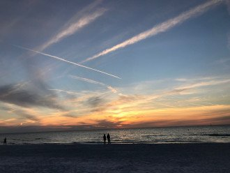 Gulf Beach-Side, Awesome Cottage! Newly-Renovated, Oct Nov & Dec Avail. #1