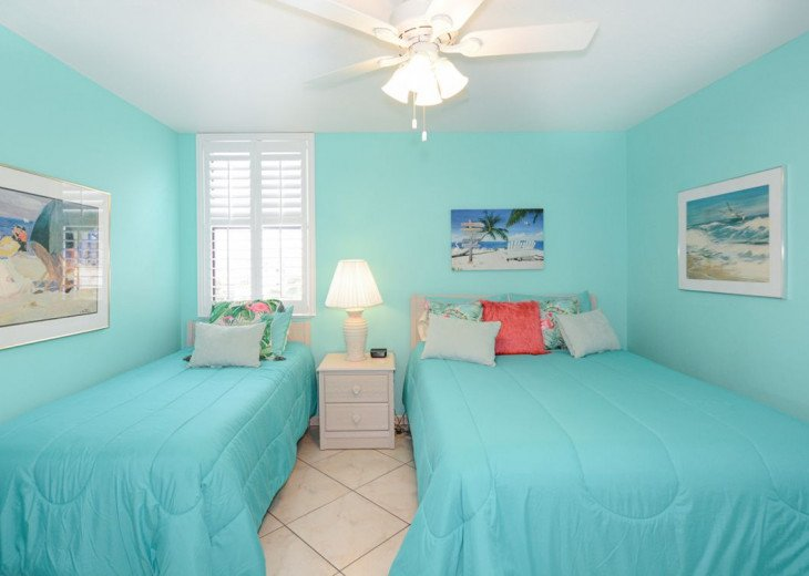 2nd Bedroom with Hunter Ceiling Fan