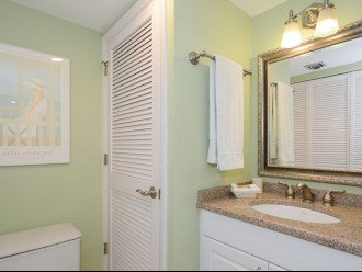 Ensuite Dressing Area with Sink