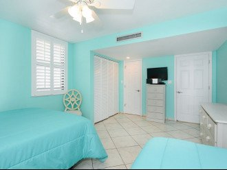 2nd Bedroom with 24in HDTV and DVD PLayer. Direct Entrance to Main Bathroom