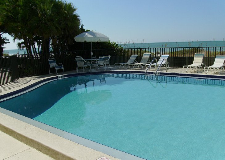 Indian Shores-Penthouse Condo Direct on Beach #26