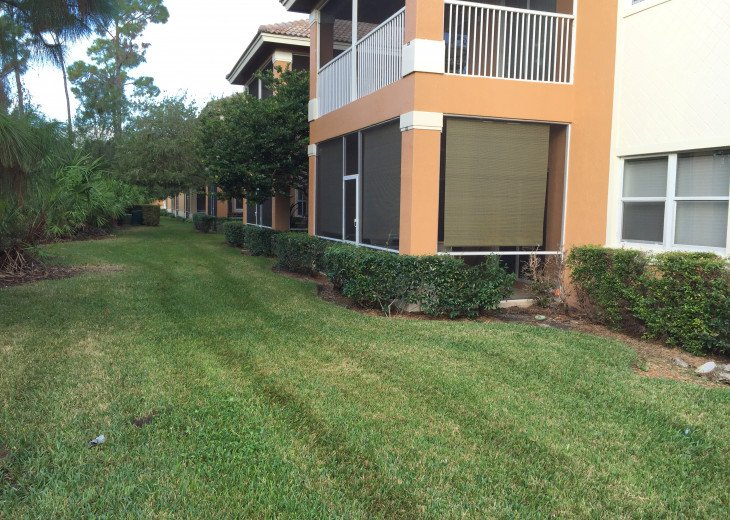 This B unit is a studio Apartment,Security guard, Gated Community, resort pool. #24