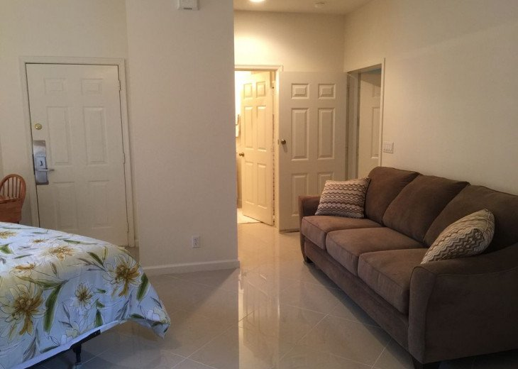 This B unit is a studio Apartment,Security guard, Gated Community, resort pool. #6