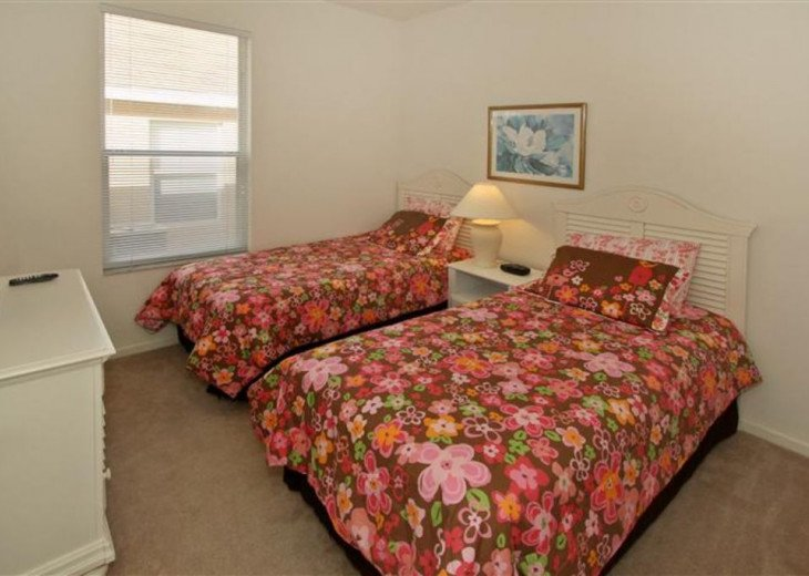 Tropical Palms-Windsor Palms Resort Villa 3 Miles to Disney in Guarded Community #17