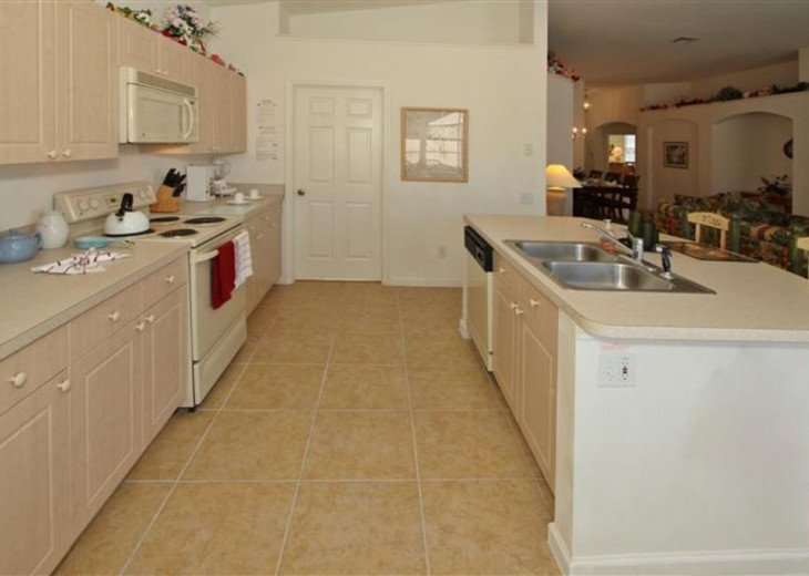 Tropical Palms-Windsor Palms Resort Villa 3 Miles to Disney in Guarded Community #11