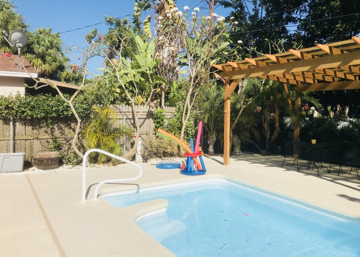 Fun Family Pool Villa incuding Bikes & Kayaks, close to town and beaches! #22