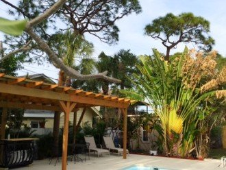 Fun Family Pool Villa incuding Bikes & Kayaks, close to town and beaches! #1
