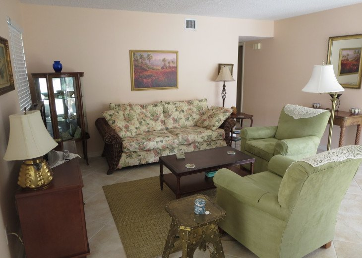 2- bedroom Old Naples prime location #2