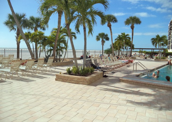 Oversize 5th Floor Corner Unit Directly On The Beach All Inclusive rate #18
