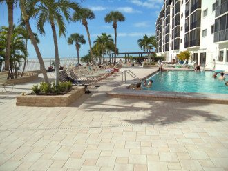 Oversize 5th Floor Corner Unit Directly On The Beach #1
