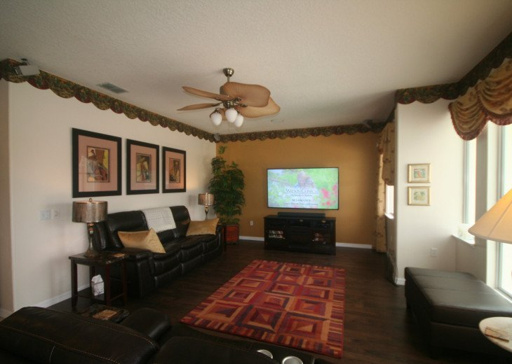 4BR Luxury Villa with Games Room, Lake Views #14