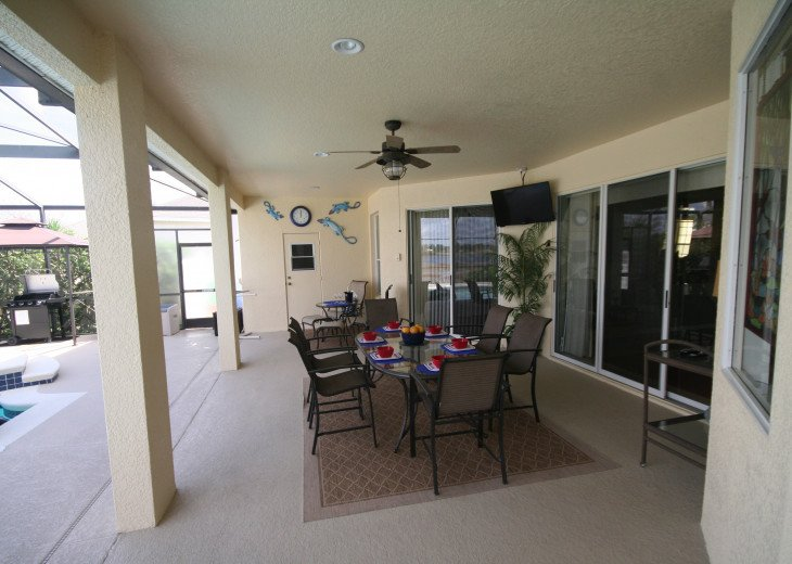 4BR Luxury Villa with Games Room, Lake Views #32