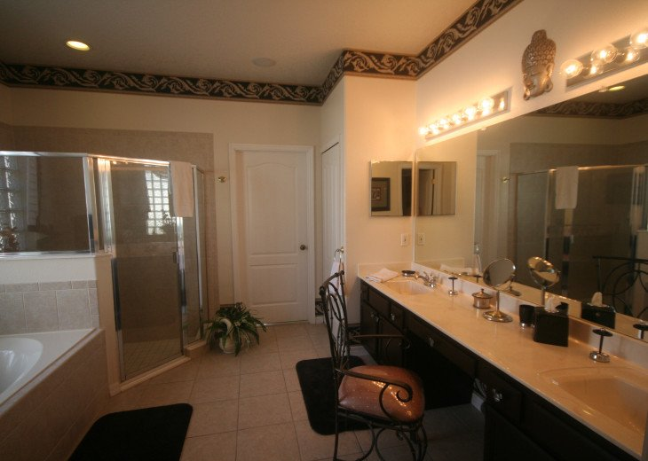 4BR Luxury Villa with Games Room, Lake Views #34