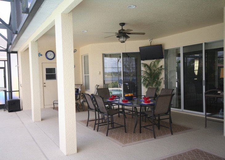 4BR Luxury Villa with Games Room, Lake Views #31