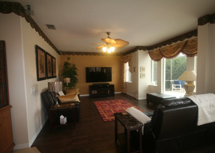 4BR Luxury Villa with Games Room, Lake Views #12