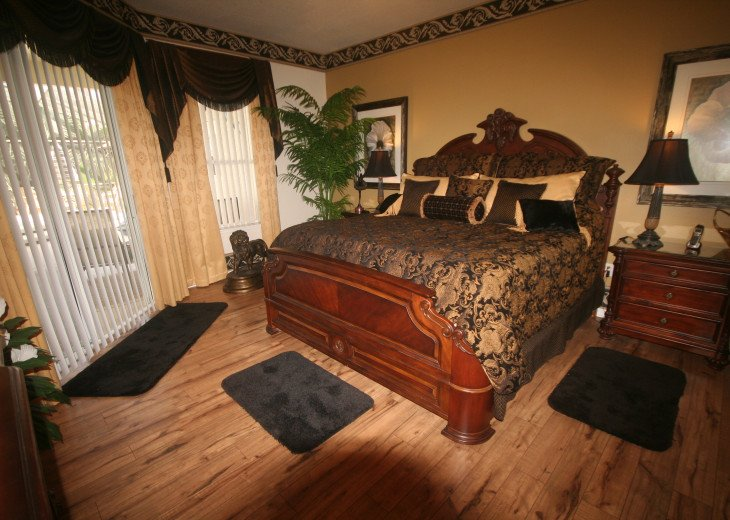 4BR Luxury Villa with Games Room, Lake Views #22
