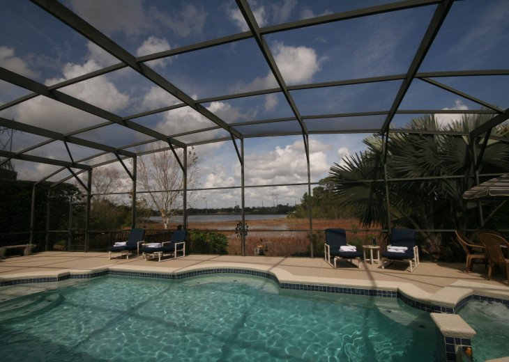 4BR Luxury Villa with Games Room, Lake Views #6