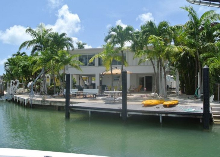 Water Front 3/3 Family and Boat Friendly Home, Great Views #2