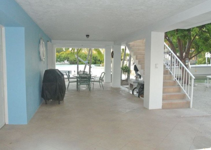 Water Front 3/3 Family and Boat Friendly Home, Great Views #21