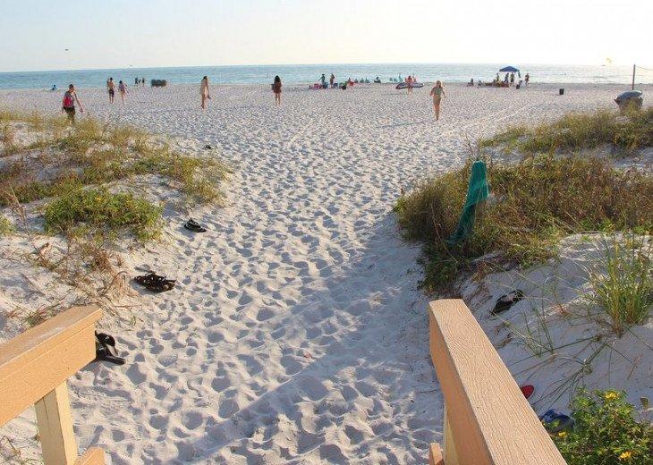 Sunset Vistas Top Floor Gulf View Beachfront King in Master & New Appliances! #47