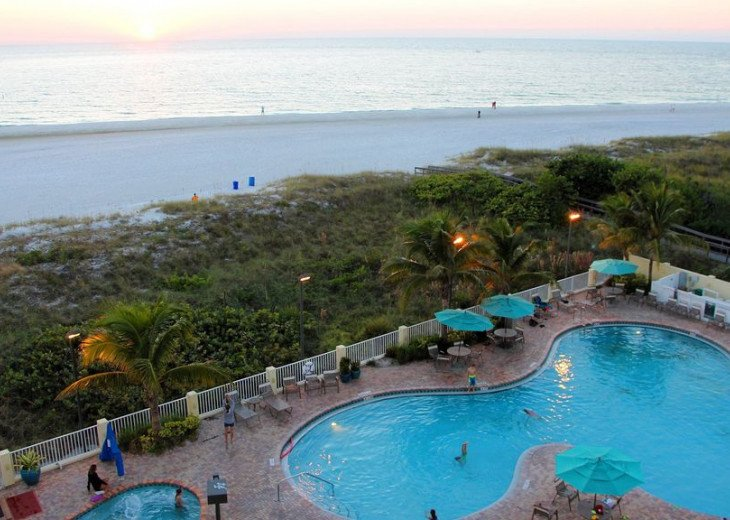 Sunset Vistas Top Floor Gulf View Beachfront King in Master & New Appliances! #18