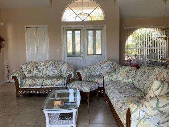 Comfortable Seating for 6 looking toward front double door