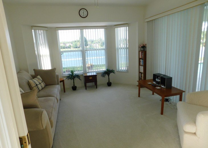 Luxurious 3 Bedroom Villa- central position to lake -Sunshine all day #7