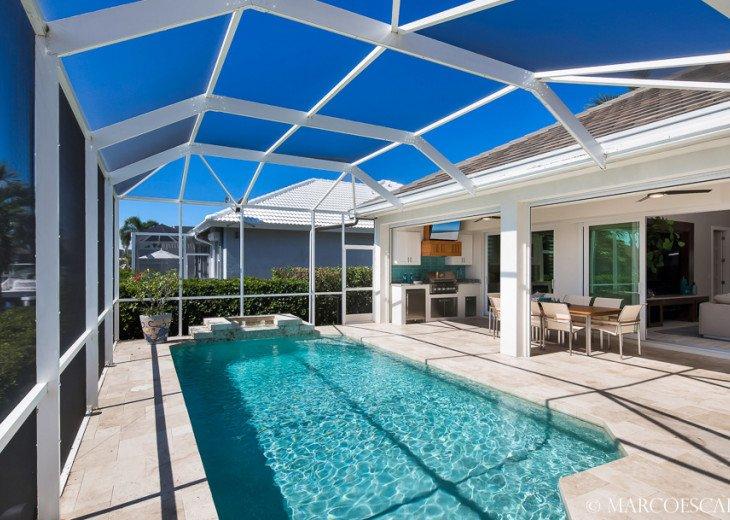 BONITA BLEU - 5 Bedroom Sun Filled Luxury, Due South Exposure, Walk to Beach! #10