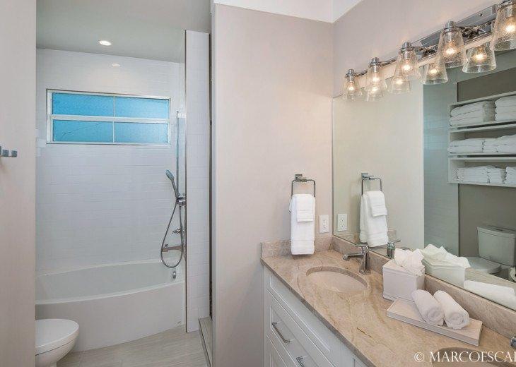 BONITA BLEU - 5 Bedroom Sun Filled Luxury, Due South Exposure, Walk to Beach! #26