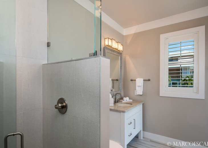 BONITA BLEU - 5 Bedroom Sun Filled Luxury, Due South Exposure, Walk to Beach! #22