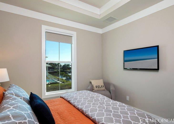 BONITA BLEU - 5 Bedroom Sun Filled Luxury, Due South Exposure, Walk to Beach! #25