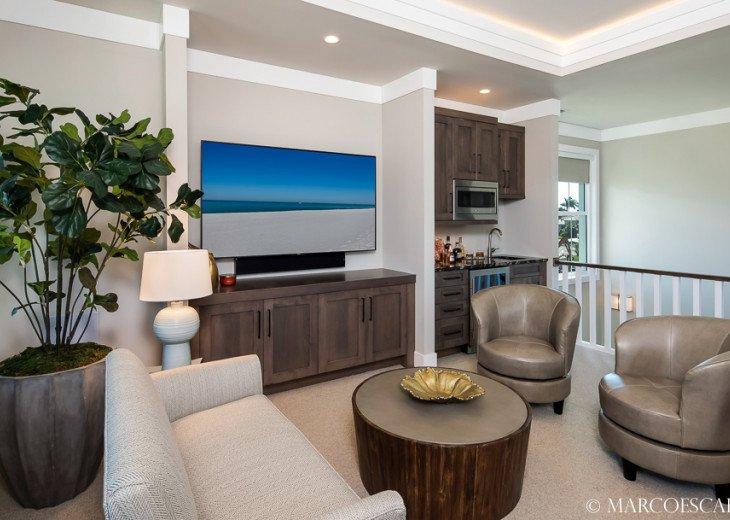 BONITA BLEU - 5 Bedroom Sun Filled Luxury, Due South Exposure, Walk to Beach! #24