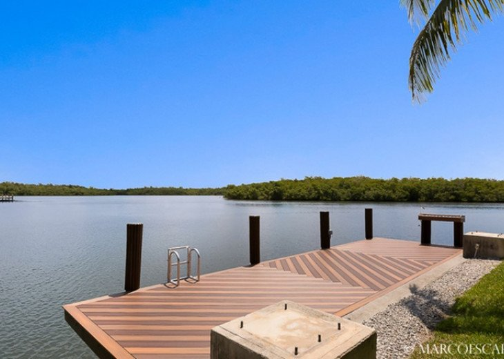 STARFISH COURT - Sweeping Bay Views; All 5 Bedrooms are Suites! #21