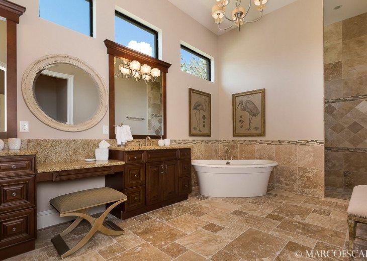 LE VIVIENNE - Our Swanky Floridian Château !! #12