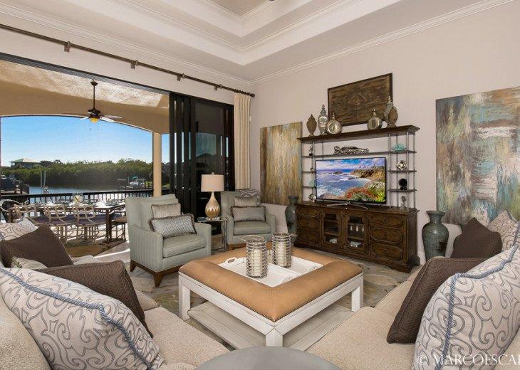 LE VIVIENNE - Our Swanky Floridian Château !! #3