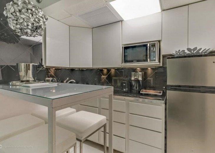 3 Room Art Deco Oceanfront Suite at Shelborne South Beach #9