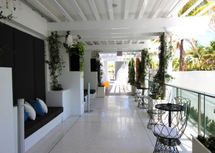 3 Room Art Deco Oceanfront Suite at Shelborne South Beach #16