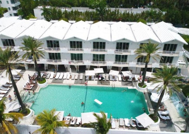 3 Room Art Deco Oceanfront Suite at Shelborne South Beach #2
