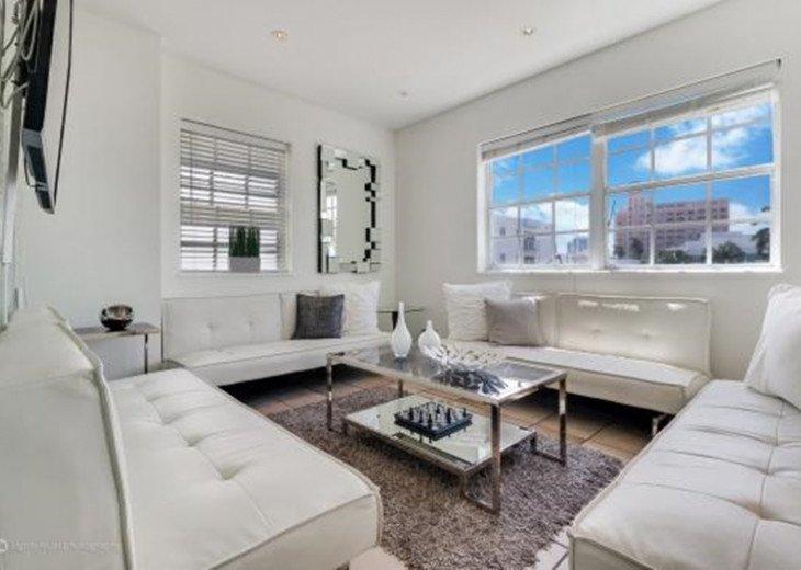 4 Room Cosmopolitan Deluxe Suite on Ocean Drive #2