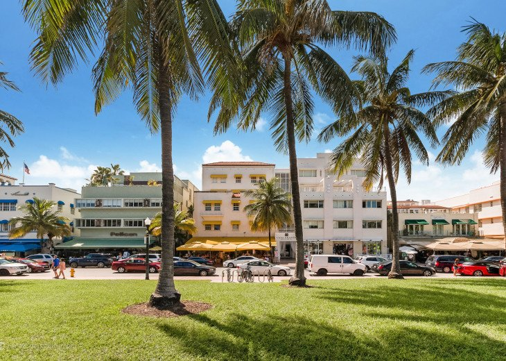 Casa Grande Oceanfront South Beach Resort Suites #2