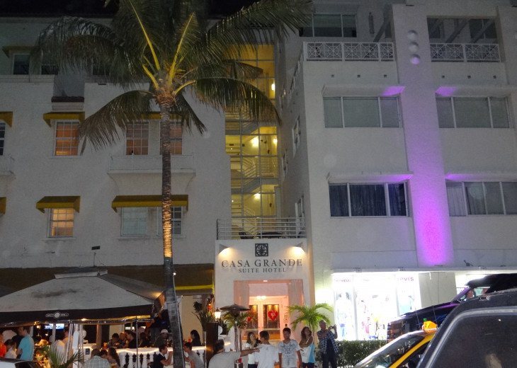 Casa Grande Oceanfront South Beach Resort Suites #29