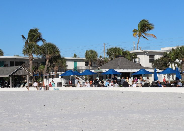 restaurant and grill right off the beach