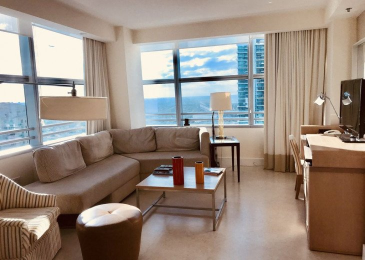 Miami luxury rental at Conrad Hilton Tower on Brickell #4