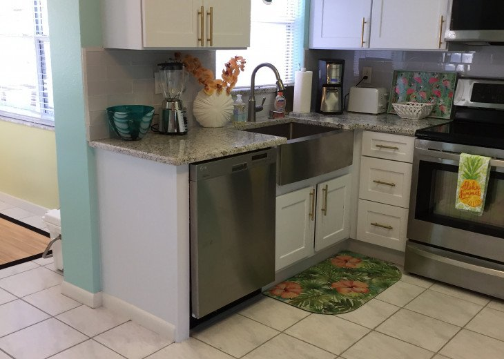 Indian Rocks Beach 2BR 1BA Beach Home #8